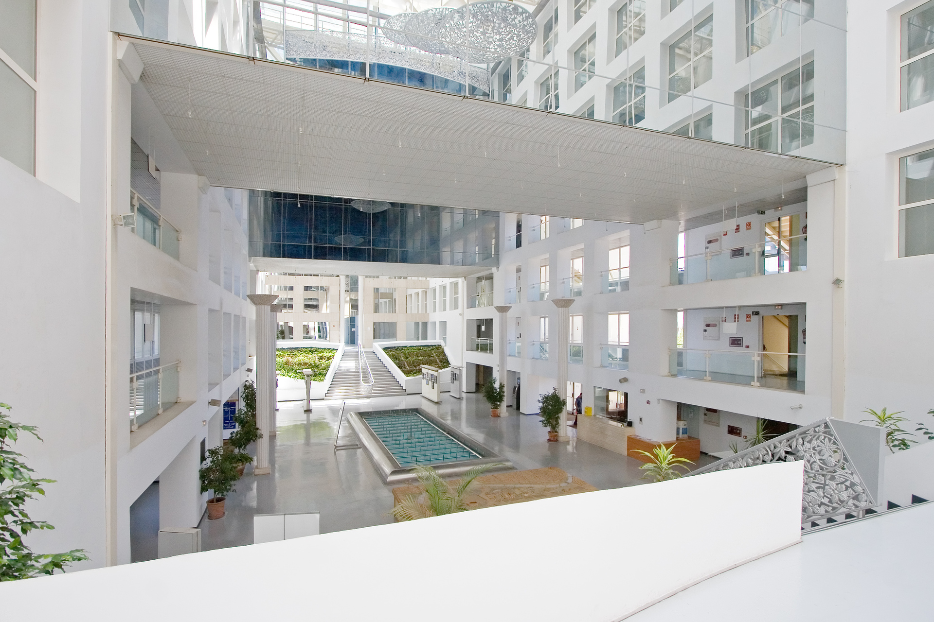 glass building 4